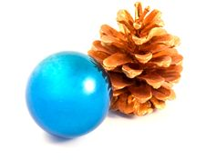 Free Christmas Ball With A Gold Pine Cone Stock Images - 17038714