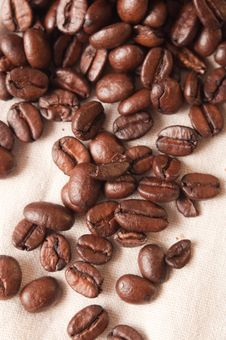 Free Coffee Beans In A Linen Fabric Royalty Free Stock Photo - 17047035