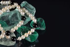 Free Pearls On The Rocks Stock Photos - 17049013