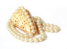 Free Pearls Royalty Free Stock Image - 17054656