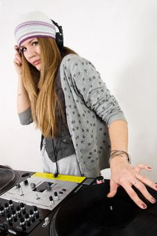 Free Female DJ Scratching The Record Stock Image - 17056351