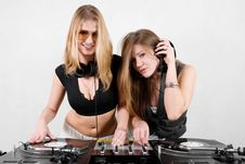 Free Female Djs Mixing Vinyl Stock Photos - 17056603
