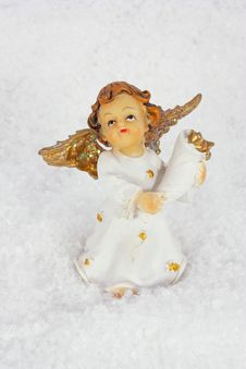 Free Angel In Snow Royalty Free Stock Photo - 17058785