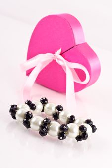 Free Black Onyx And Pearl Bracelet Royalty Free Stock Images - 17060609