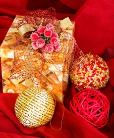 Free Present Box And Christmas Balls Stock Photo - 17063050