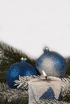 Free Blue Christmas Balls Stock Photography - 17063932