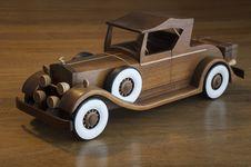 Free Retro Wood Car Stock Photography - 17065632