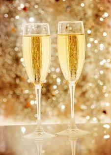 Free Two Elegant Champagne Glasses Royalty Free Stock Image - 17068986
