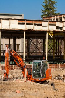 Free Small Orange Excavator Stock Photography - 17070662