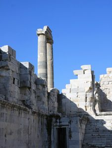 Free A View Of  Temple Of Apollo, Aydin, Turkey. Royalty Free Stock Photography - 17071497
