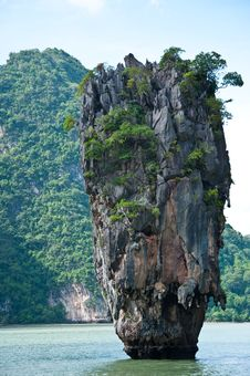 Free James Bond Island Royalty Free Stock Photography - 17075057