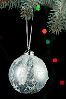 Free Christmas Ball On The Christmas Tree Stock Photo - 17075320