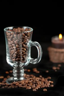 Free Coffee Beans And Candle Royalty Free Stock Images - 17075339