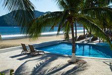 Free Relaxing Seaside Resort Royalty Free Stock Images - 17076399