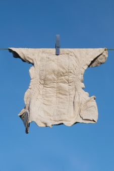 Free Diaper On A Clothes Line Royalty Free Stock Images - 17076789