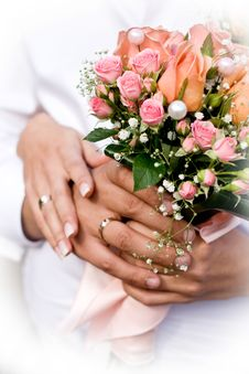 Free Wife And Husband With Bouquet Stock Photography - 17079482