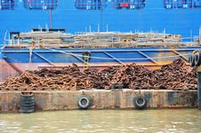 Free Barge Laden With Heavy Metal Chain Royalty Free Stock Images - 17080029