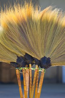 Free Broom Royalty Free Stock Photos - 17080408