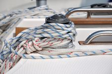 Free Rope Wrapping On Yacht Bollard Royalty Free Stock Photos - 17080498