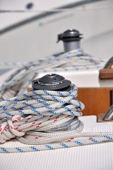Free Rope Wraping On Bollard Of Yacht Stock Images - 17080514