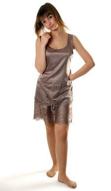 Free Beautiful Girl In Satin Gown Stock Image - 17088201