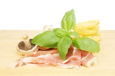 Free Tagliatelle And Ingredients Stock Photo - 17090660