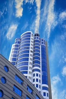 Free Modern Skyscraper On The Dark Sky Stock Photo - 17093660