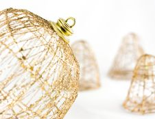 Free Gold Xmas Ball Stock Photo - 17098430