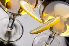 Free Martini With Olives And Lemon Slice Royalty Free Stock Images - 17099529