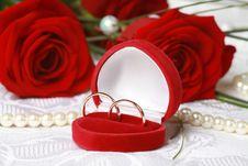 Free Wedding Rings Royalty Free Stock Photo - 17101205