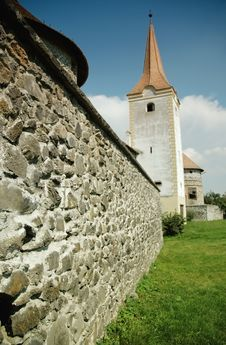 Free Fortified Church With Defense Wall. Racos, Romania Royalty Free Stock Image - 17103256