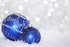 Free Bright Christmas Balls Royalty Free Stock Images - 17109639