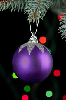 Free Christmas Ball Royalty Free Stock Photo - 17124095