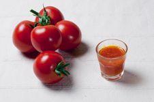 Free Tomatos And Sauce Royalty Free Stock Photo - 17125655