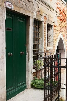 Free Old Door Stock Photo - 17127170