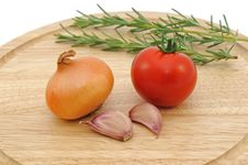 Free Onion Garlic And Tomato Royalty Free Stock Photography - 17129027