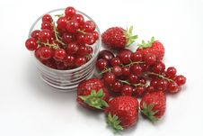 Free Strawberries And Currants Stock Photos - 17138963
