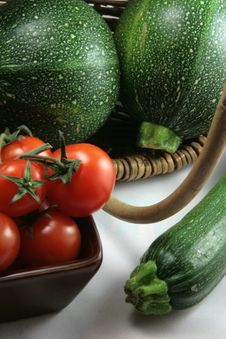 Free Basket Of Tomatoes And Organic Zucchinis Stock Images - 17139004