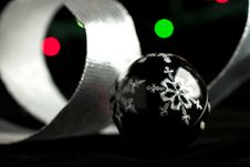 Free Christmas Ball On The Black Royalty Free Stock Images - 17139979