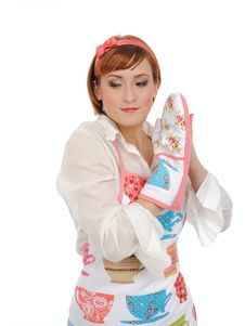 Free Beautiful Cooking Woman In Apron And Kitchen Glove Stock Photos - 17140263