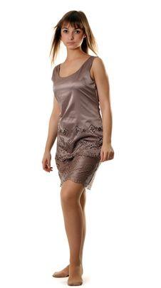 Free Beautiful Girl In Satin Gown Stock Photos - 17142123