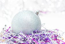 Free Silver Christmas Ball Royalty Free Stock Photography - 17143067