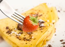 Free Crepes With Choccolate And Strawberries Royalty Free Stock Image - 17147356