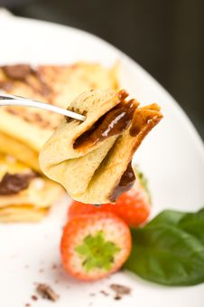 Free Crepes With Choccolate And Strawberries Royalty Free Stock Image - 17147576