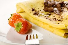 Free Crepes With Choccolate And Strawberries Royalty Free Stock Photography - 17147907