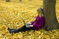 Free Girl With A Laptop Royalty Free Stock Photos - 17159298