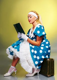Free Girl Reading A Book Royalty Free Stock Photography - 17160377