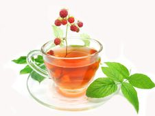 Free Red Fruit Tea With Raspberry Royalty Free Stock Photography - 17166007