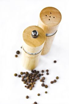 Free Pepper Mill. Royalty Free Stock Photography - 17170477