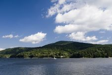 Free Beautiful Lake Royalty Free Stock Images - 17175719